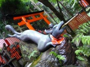 京都,おすすめ,パワースポット,人気,伏見稲荷大社,所要時間,山頂,出会い,結婚,金運アップ,上がる,御朱印